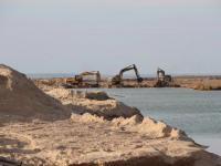 Открывать канал между Молочным лиманом и морем, чтобы запустить рыбу, не будут
