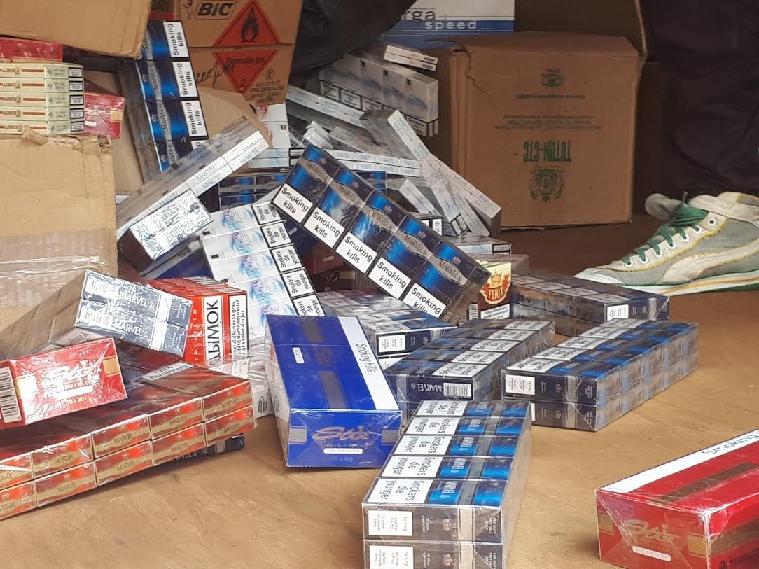 На доменной печи запорожского предприятия сожгли партию сигарет на миллион