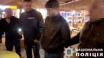 """В Запорожье задержали мужчин, предлагавших игрокам """"Зари"""" 5000 долларов за проигрыш"""