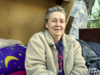 Запорожанку выселили на улицу и отдали ее квартиру полицейской – чем закончилась история