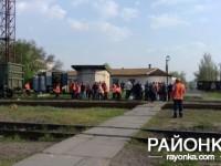 В Запорожской области на переходе сошел с рельс локомотив