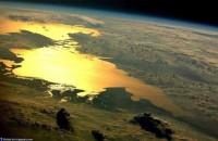 Залитое светом: в сети показали снимок Азовского моря с космоса