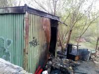 Рано утром на Школьной сгорел строительный вагончик – трое погибших
