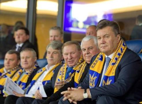 """""""Стадион так стадион"""": в соцсетях отреагировали на дебаты Зеленского с Порошенко мемами"""