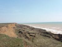 Азовское море «съело» часть берега и все ближе подбирается к ветрякам