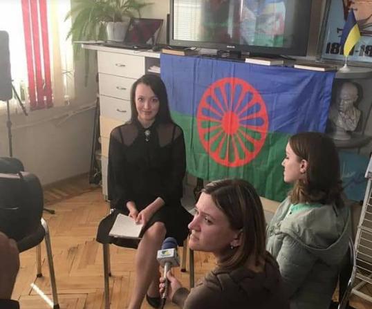 """""""На работе от меня первое время прятали сумки"""": девушка ромской национальности о стереотипах"""