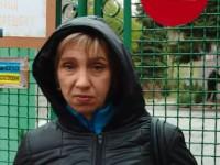 Многодетная мать с алкозависимостью отсудила права на младшую дочь