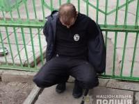 Четверо грабителей в форме полиции били и пытали хозяйку дома – подробности (Видео)
