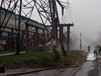 В промзоне Запорожья загорелся трансформатор – тушили пеной (Видео)