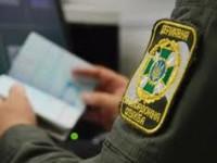 Африканца развернули домой в запорожском аэропорту с поддельной визой за 300 долларов