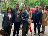 Похищенного ребенка, которого удерживали в посольстве Дании, вернули запорожанке