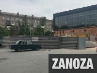 Вместо катка в центре Запорожья построят развлекательный центр с нарушением границ
