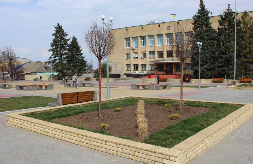 Житель Запорожской области получил три года тюрьмы за кражу цветов с клумбы