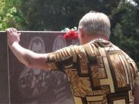 «Настоящая бомбардировка в мирное время»: спасатели почтили погибших в Новобогдановке коллег
