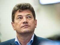 Владимир Буряк вернулся на работу после больничного