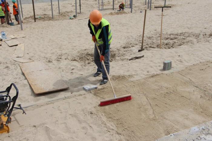 Правобережный пляж обещают открыть после частичной реконструкции к началу лета (Фото)