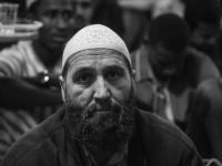 «Не есть и не пить до заката»: как тысячи запорожских мусульман отмечают Рамадан (Фоторепортаж)