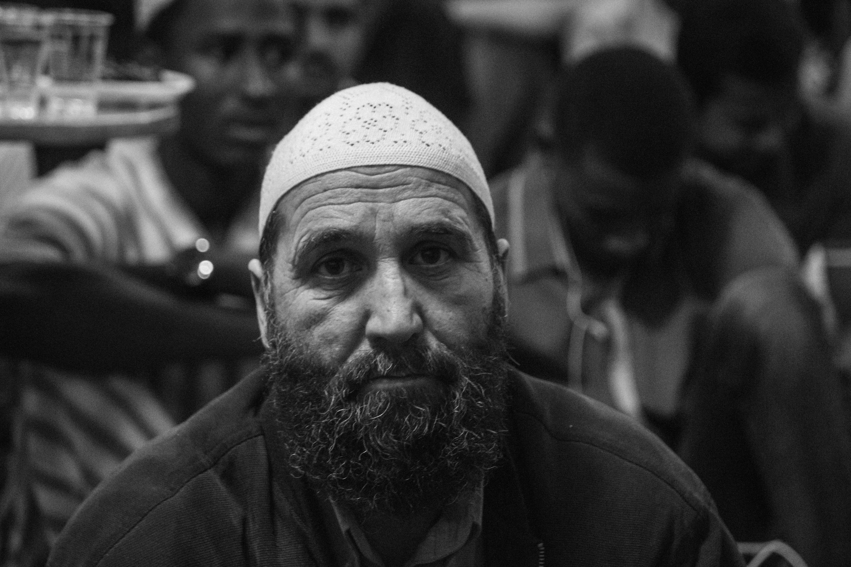 """""""Не есть и не пить до заката"""": как тысячи запорожских мусульман отмечают Рамадан (Фоторепортаж)"""