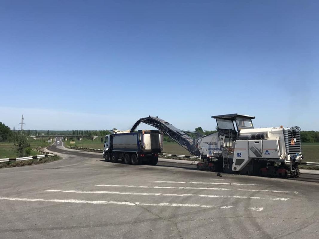 В Запорожской области начался ремонт единственной трассы до Мариуполя