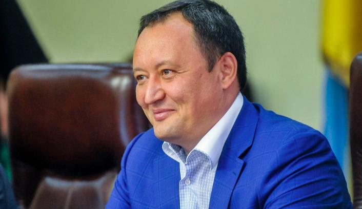 Кабмин просит президента уволить 13 глав областей: в список попал Брыль