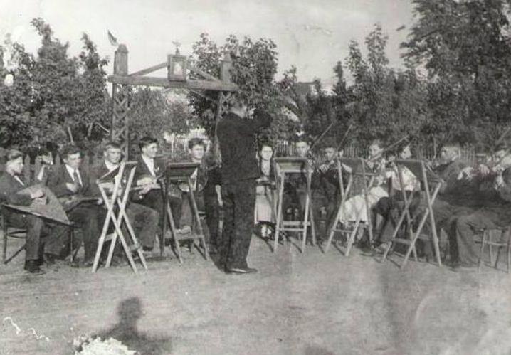 Чем жили и как отдыхали на родине Махно 100 лет назад (Фото). Новости Днепра