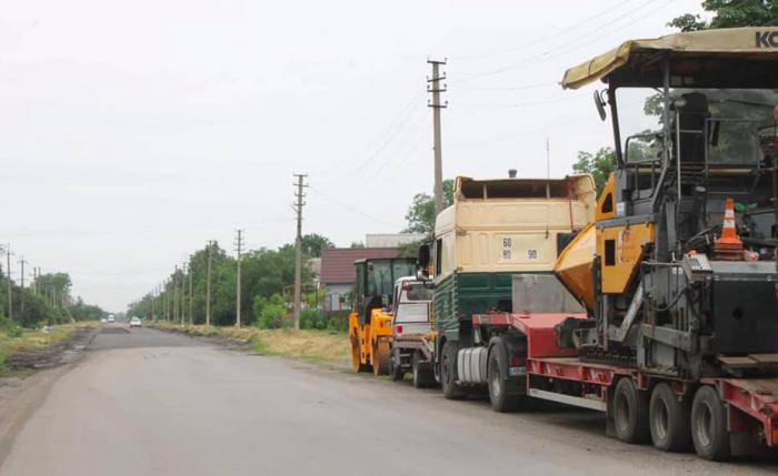 В запорожском селе ремонтируют самую длинную центральную улицу в регионе