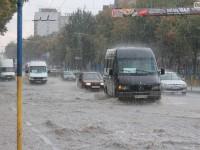 Почему дороги Запорожья уходят под воду после каждого сильного дождя