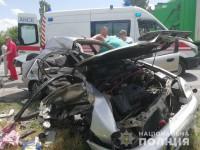 Под Запорожьем на встречке столкнулись авто: 2 погибли, еще 5 получили травмы (Фото)