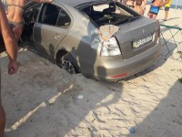 В Кирилловке девушка на BMW влетела прямо на пляж (Фото)