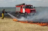 Масштабный пожар под Запорожьем не могли потушить из-за сильного ветра