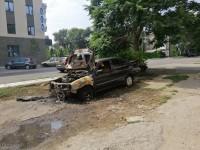 В Запорожье мужчина загорелся, пытаясь поджечь авто (Видео)