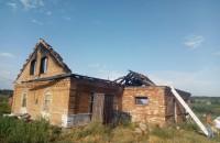 Под Бердянском из-за удара молнии сгорел дом (Фото)