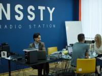 «ФМ-радио ничего нового слушателю не предлагает»: как трое энтузиастов создали в Запорожье интернет-радиостанцию