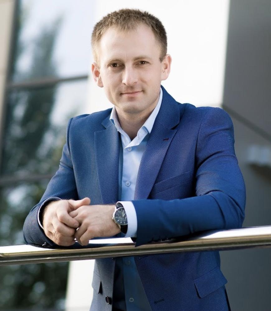 Александр Тиховод: «Депутат в парламенте ничем не отличается от менеджера в банке»