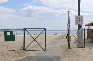 В Энергодаре запретили купаться на пляже: нашли вибрион, вызывающий кишечную инфекцию