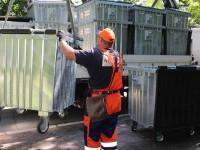 На  Хортице установили антивандальные мусорные баки (Фото)