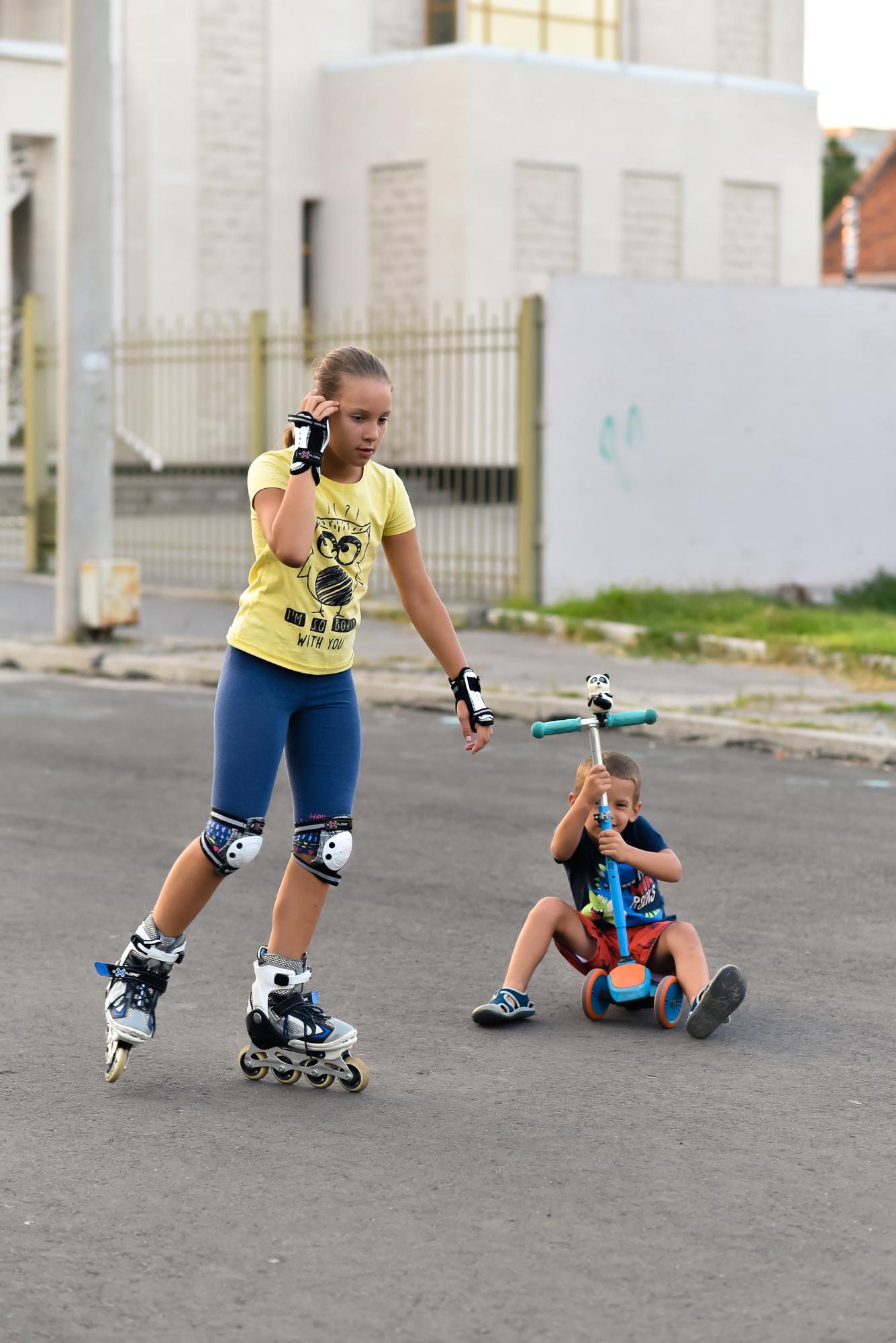 Вместо машин ролики и самокаты: запорожцы облюбовали перекрытую улицу (Фоторепортаж)