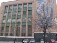 Департамент архитектуры выступил против размещения на фасаде главпочтампа огромной рекламы: что ответили в «Укрпочте»