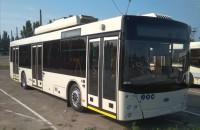 В Запорожье прибыл первый бесконтактный троллейбус  (Фото)
