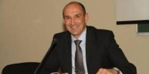 Запорожский депутат рассказал, что тратил деньги втайне от жены на помощь