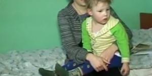 Мать-одиночка месяц живет в больнице с двумя детьми без средств к существованию