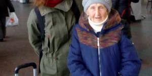 """""""Жизнь, как сказка"""": 91-летняя запорожанка улетела в Австрию, где жила во время войны"""