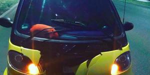 """На запорожской Набережной отлетевшее  колесо разбило """"Smart"""" (Видео)"""