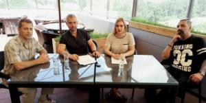 Оппоненты по вопросу строительства ТРЦ в парке Яланского обменялись колкостями и отказались пожать друг другу руку (Видео)