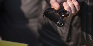 Запорожских студенток обстрелял военный – подробности