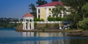 Где на Хортице можно остановиться на выходные: обзор жилья