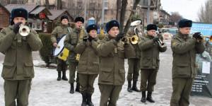 Фотофакт: в центре Запорожья военный оркестр устроил флешмоб