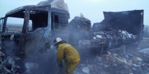 На запорожской трассе дотла сгорел грузовик продуктовой сети (Фото)