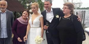 Известный запорожский певец снова женился