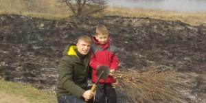 Запорожец вместе с маленьким сыном остановил масштабный пожар на Хортице